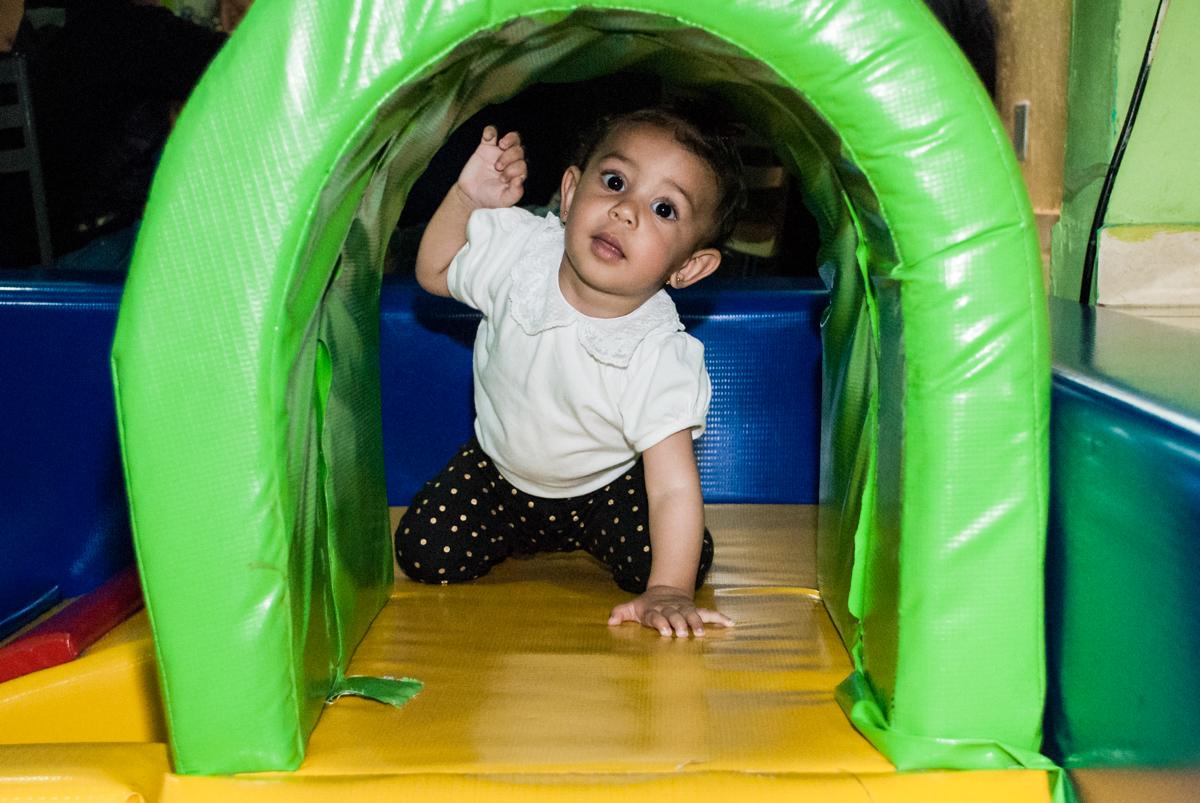 aindo do túnel da área baby
