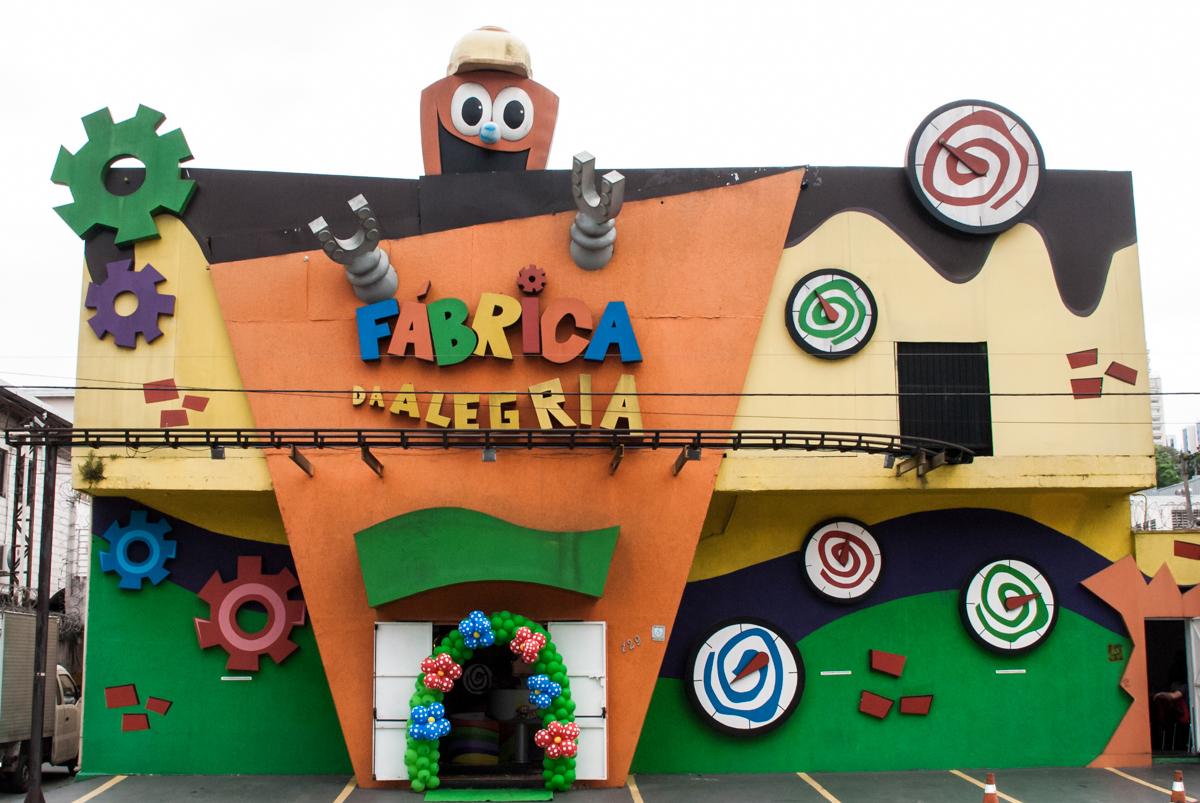 Aniversário de Pietra 2 anos, festa realizada no Buffet Fábrica da Alegria, Morumbi, São Paulo, tema da festa Galinha Pintadinha