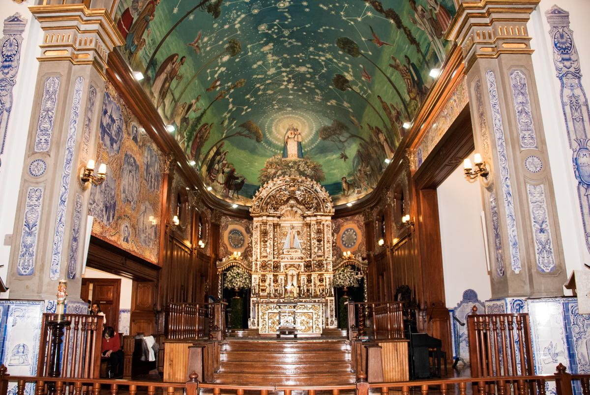 Altar da igreja nossa senhora do brasil