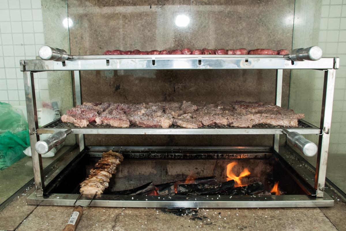 preparando o churrasco