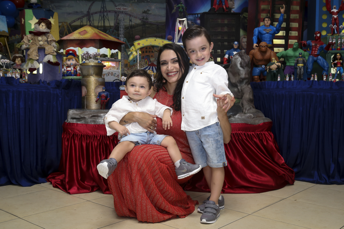 foto mãe e filhos