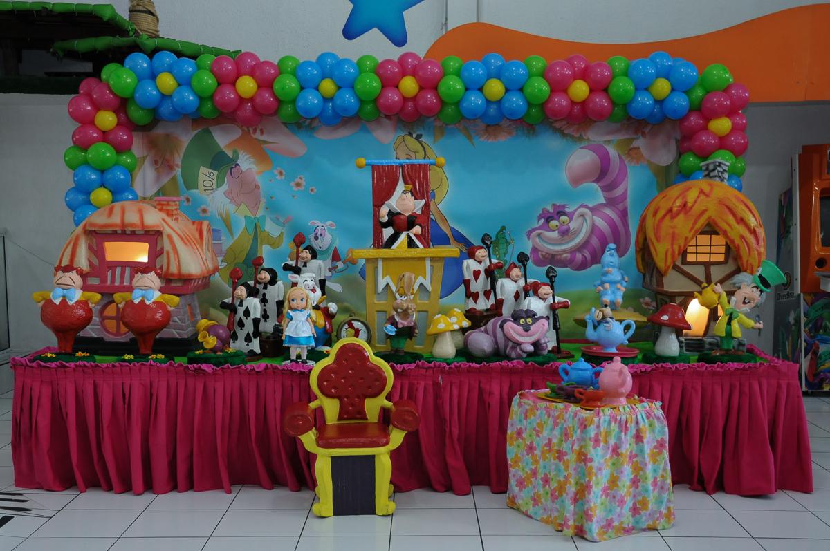 Mesa Alice no País das Maravilhas Buffet Magic Joy