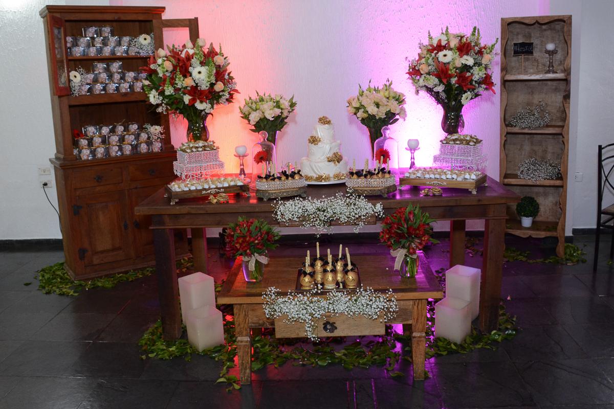 mesa de doces no Buffet Yumi, Osaco- SP