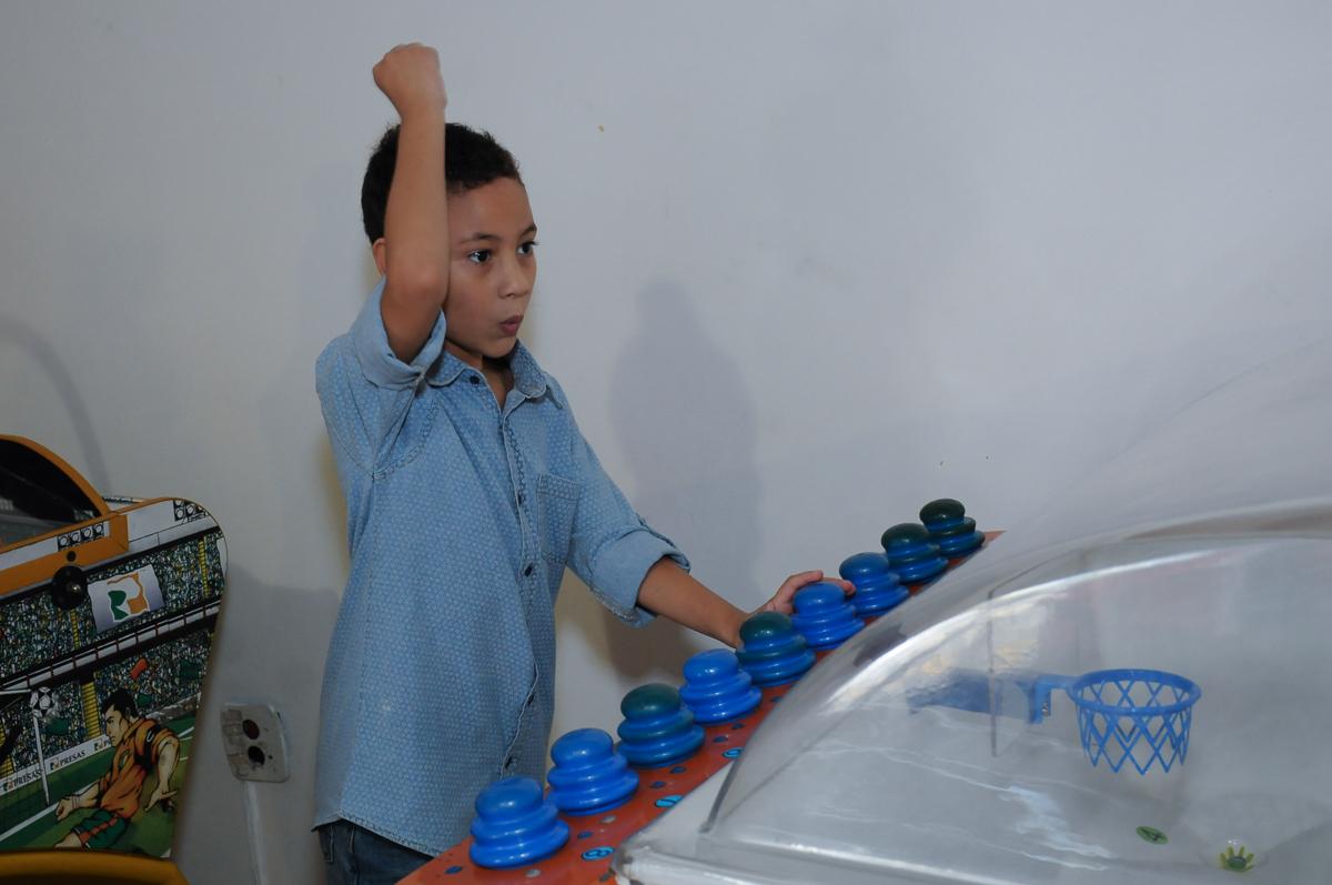 Gabriel brincando  Buffet Zureta-Osasco -SP