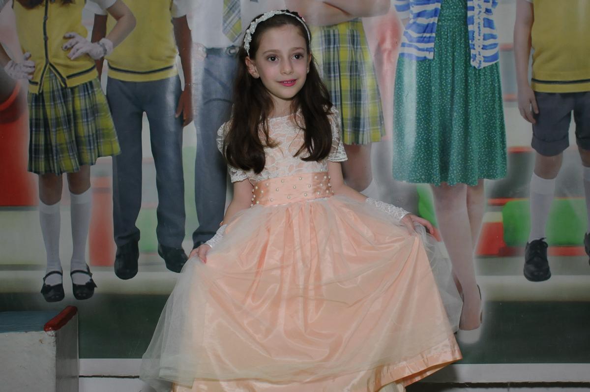 Lara vestida de princesa no Buffet Zezé e Lelé