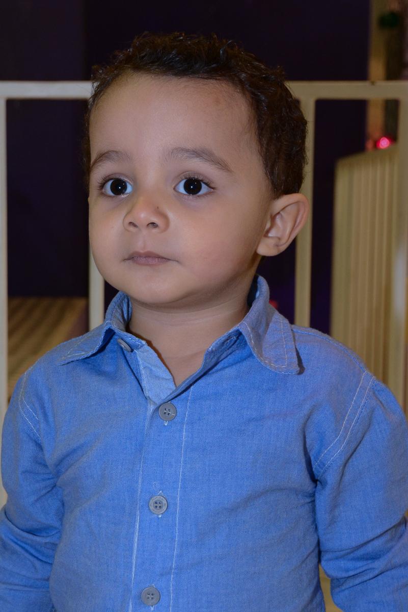 foto retrato do Matheus no Buffet Fábrica da Alegria, Morumbi