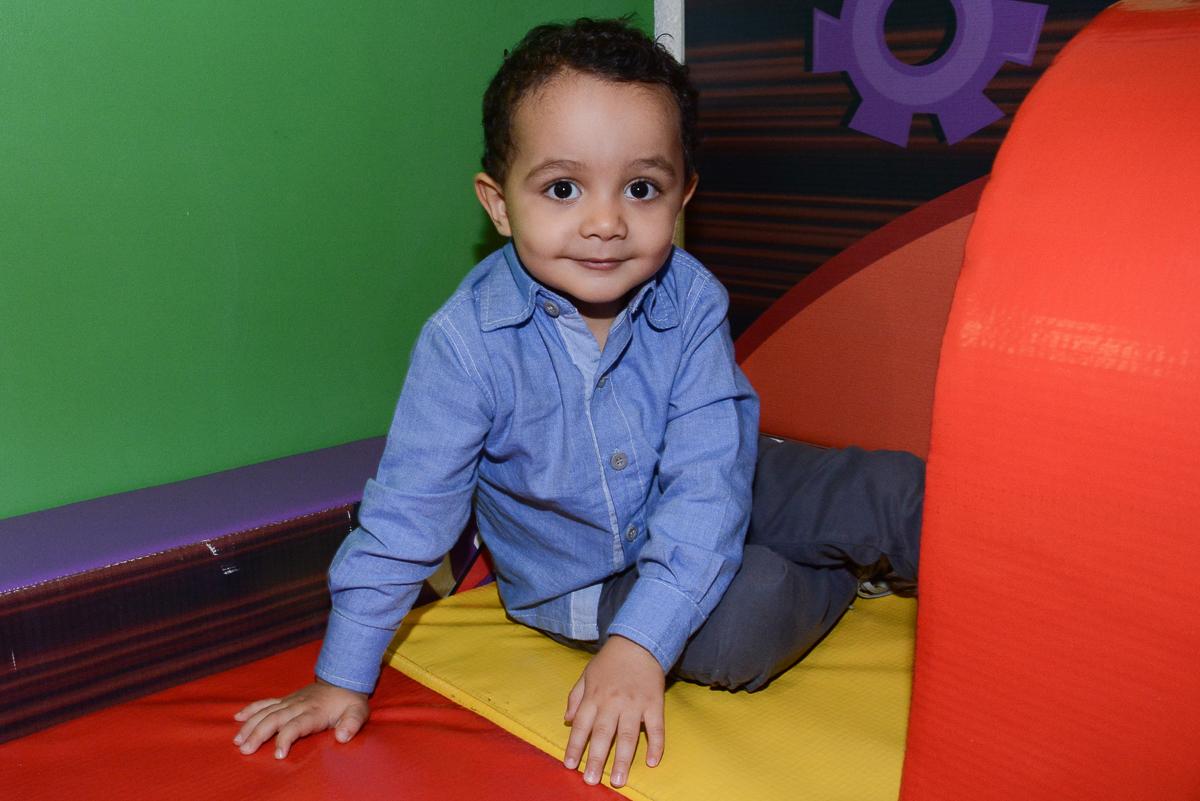 Matheus na área baby no Buffet Fábrica da Alegria, Morumbi