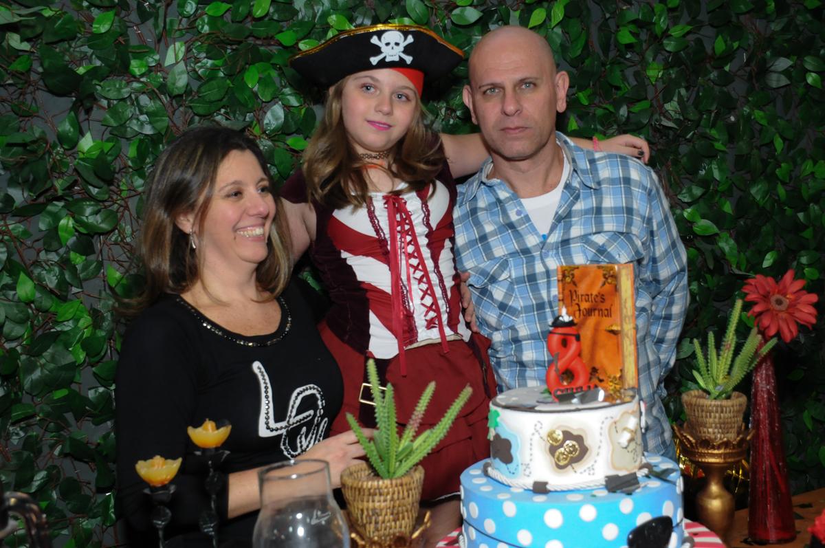 pose para foto da família na hora do parabéns no Buffet Espaço Vila da Arte