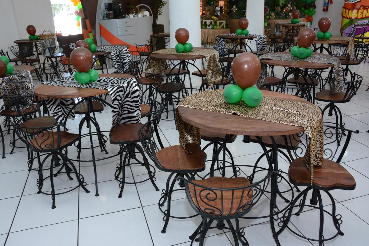 decoração das mesas no buffet fábrica Morumbi
