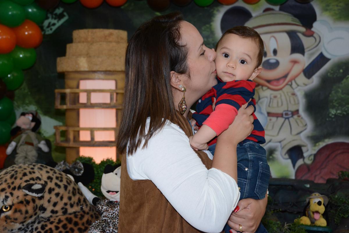 beijinho da mamãe em davi no buffet fábrica Morumbi