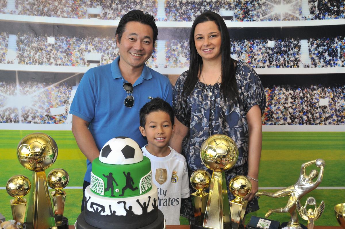 rafael e os pais no Buffet High Soccer