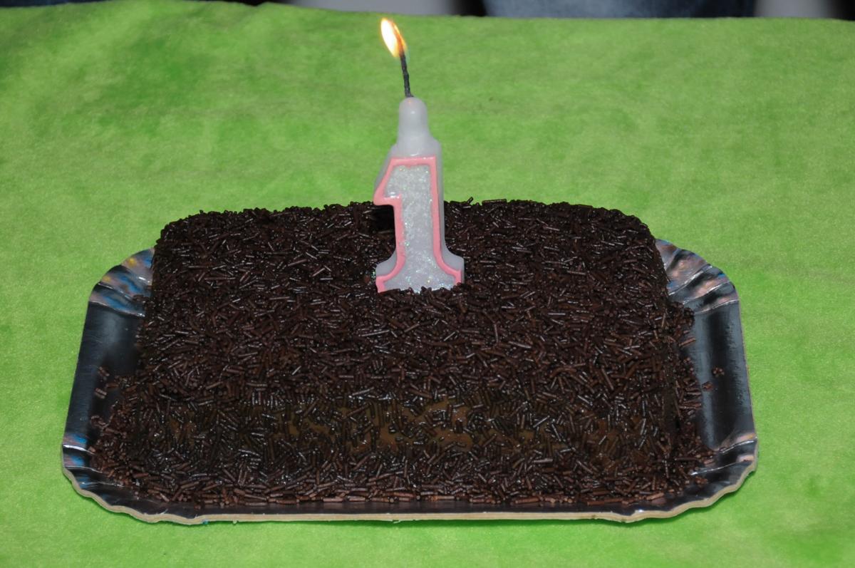 bolo de chocolate na festa de 1 ano da ana clara no Buffet infantil na zona norte SP