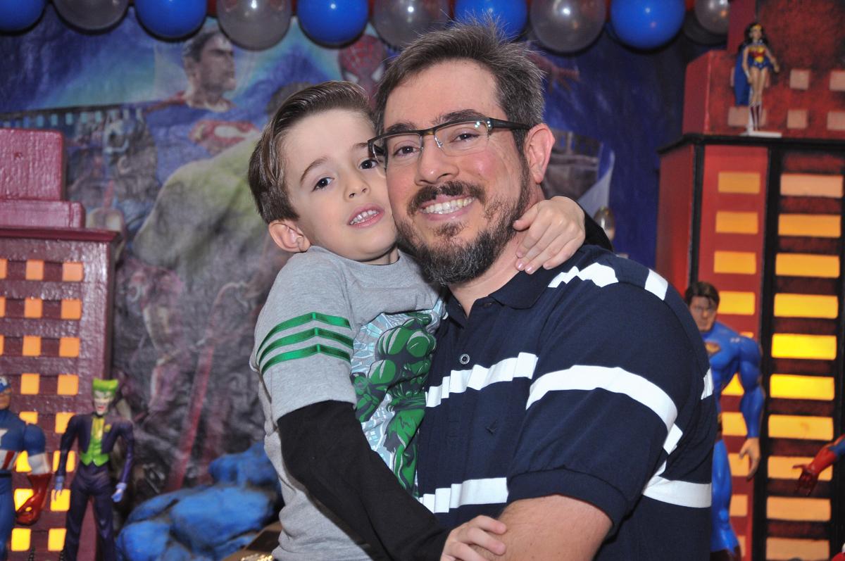 foto de pai e filho no buffet viva vida, fazendinha butantã