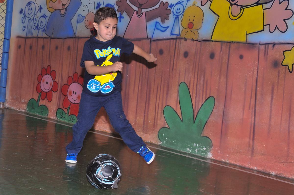 futebol no Buffet infantil Salakaboom