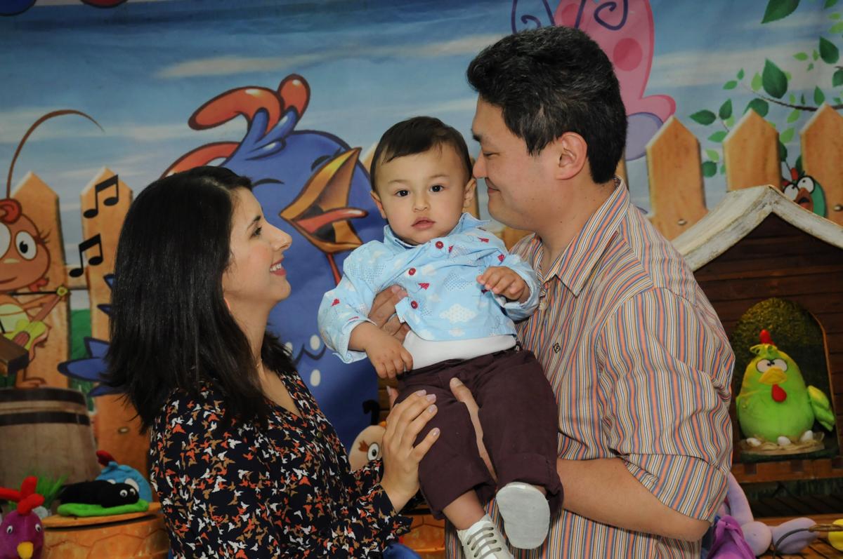 carinho do papai e da mamãe no Buffet Magic Joy - Moema, São Paulo