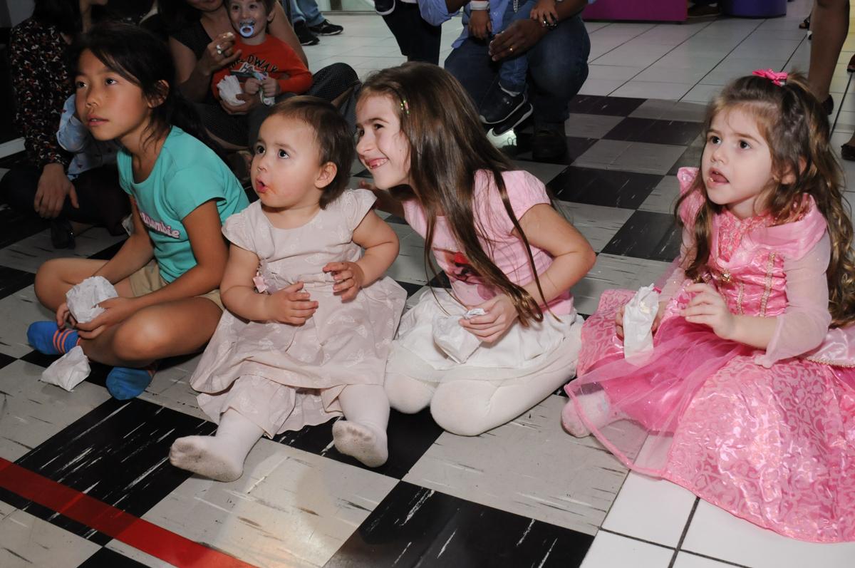 show de fantoche no Buffet Magic Joy - Moema, São Paulo