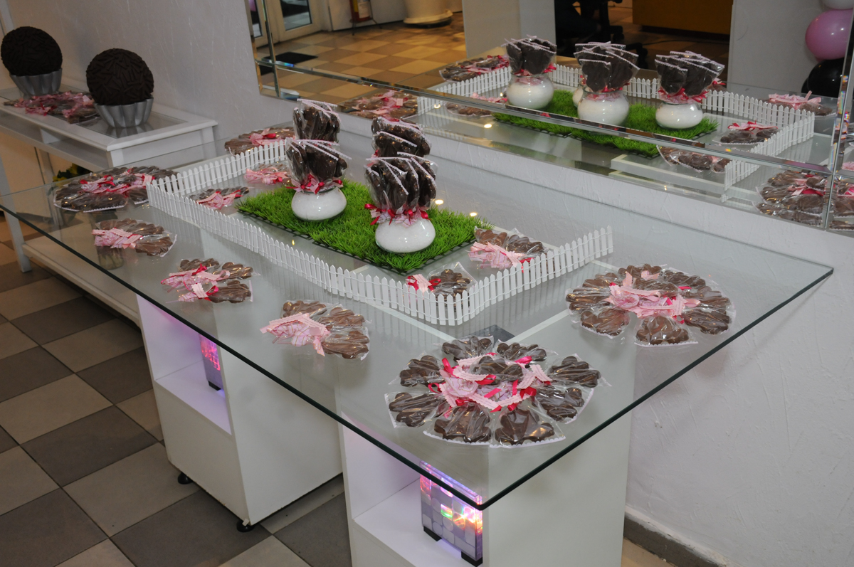 mesa de doce no Buffet Infantil Anarquia Park, Moema, São Paulo, SP