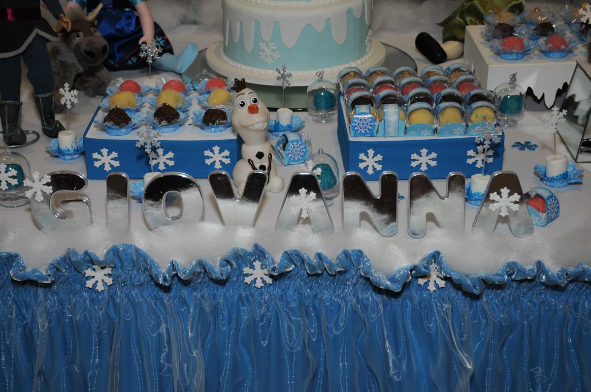 Tema frozen no condomínio Granja Vianna