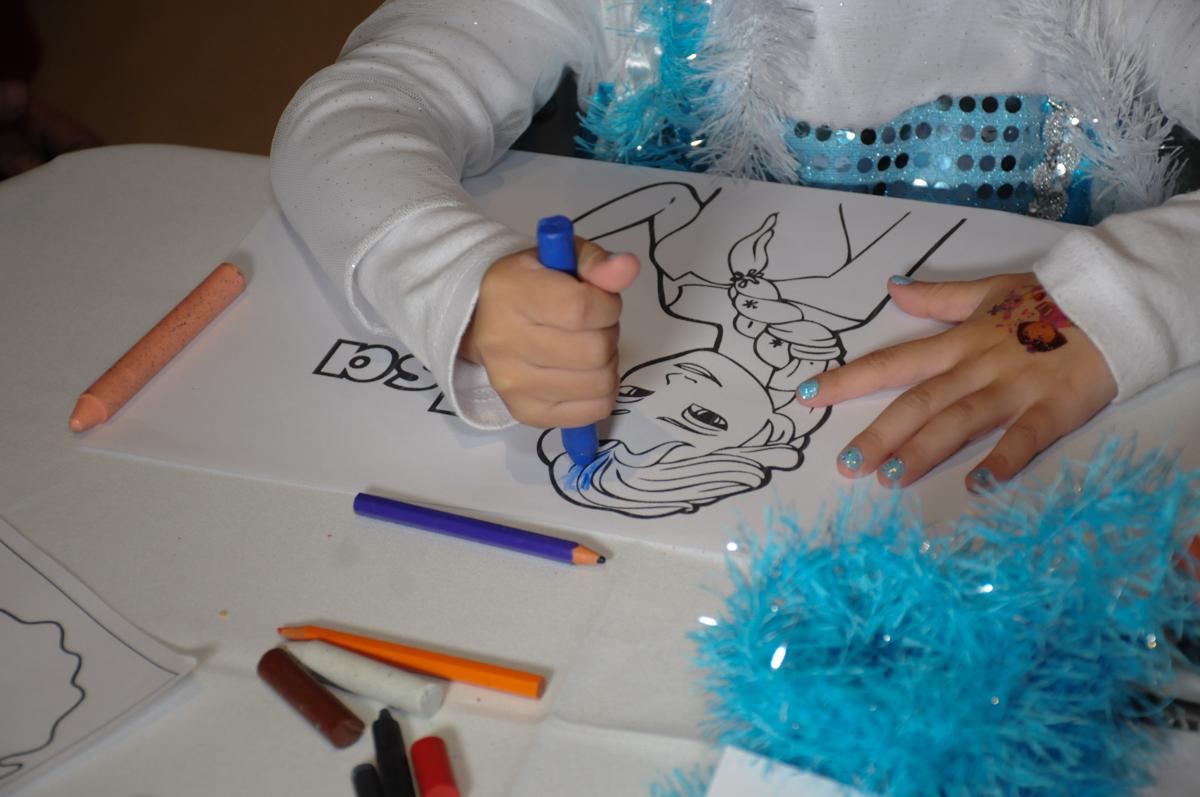 brincar de pintar no condomínio Granja Vianna