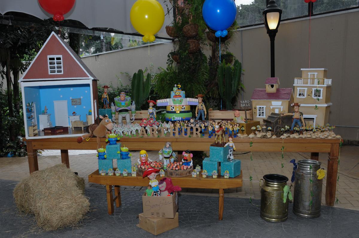 mesa tema toy story no Buffet Praça Pitangueiras, São Paulo- SP