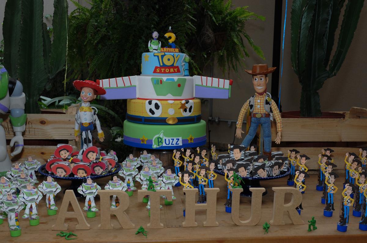 detalhes da mesa toy story no Buffet Praça Pitangueiras, São Paulo- SP