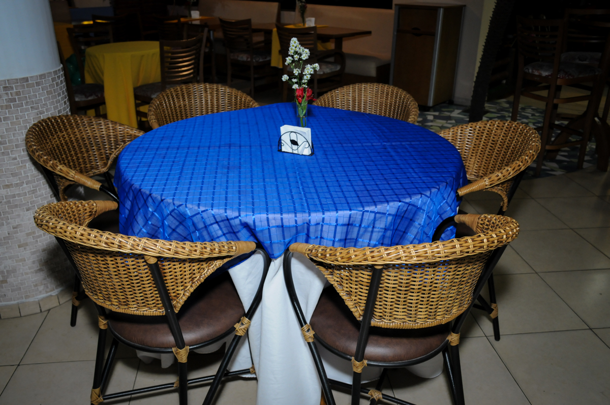 mesa de almoço no Buffet Viva Vida, Butantã, São Paulo