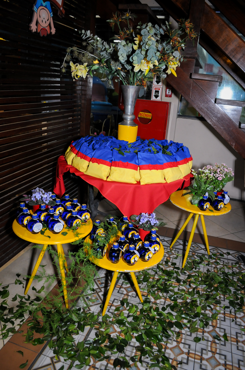 mesa com lembrnaçinhas no Buffet Viva Vida, Butantã, São Paulo