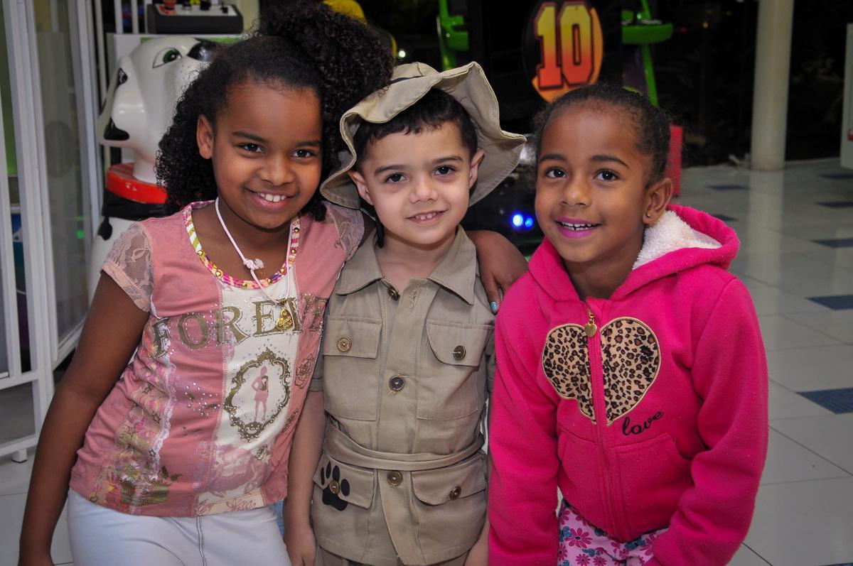 aniversariantes e amiguinhos no Buffet infantil Max Mania, Panambi
