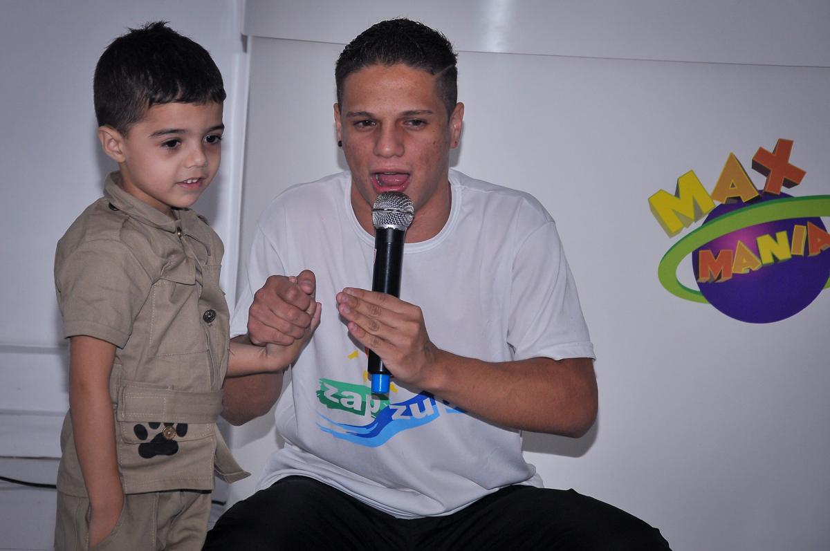 brincadeiras com as crianças no Buffet infantil Max Mania, Panambi