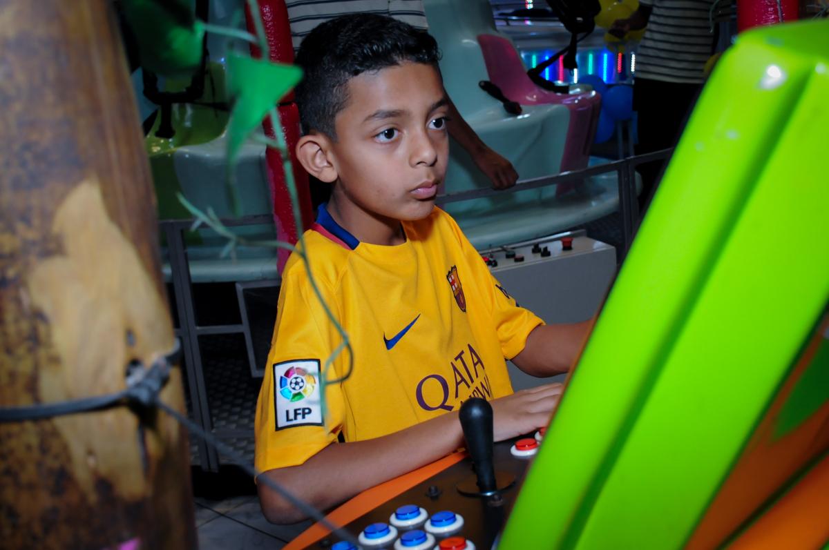 amiguinho se divertindo na festa de aniversário no Buffet Infantil Amazing, Alphaville, São Paulo