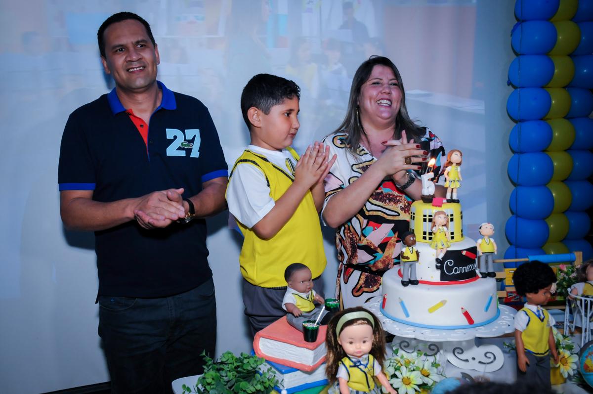 antando parabéns no Buffet Infantil Amazing, Alphaville, São Paulo