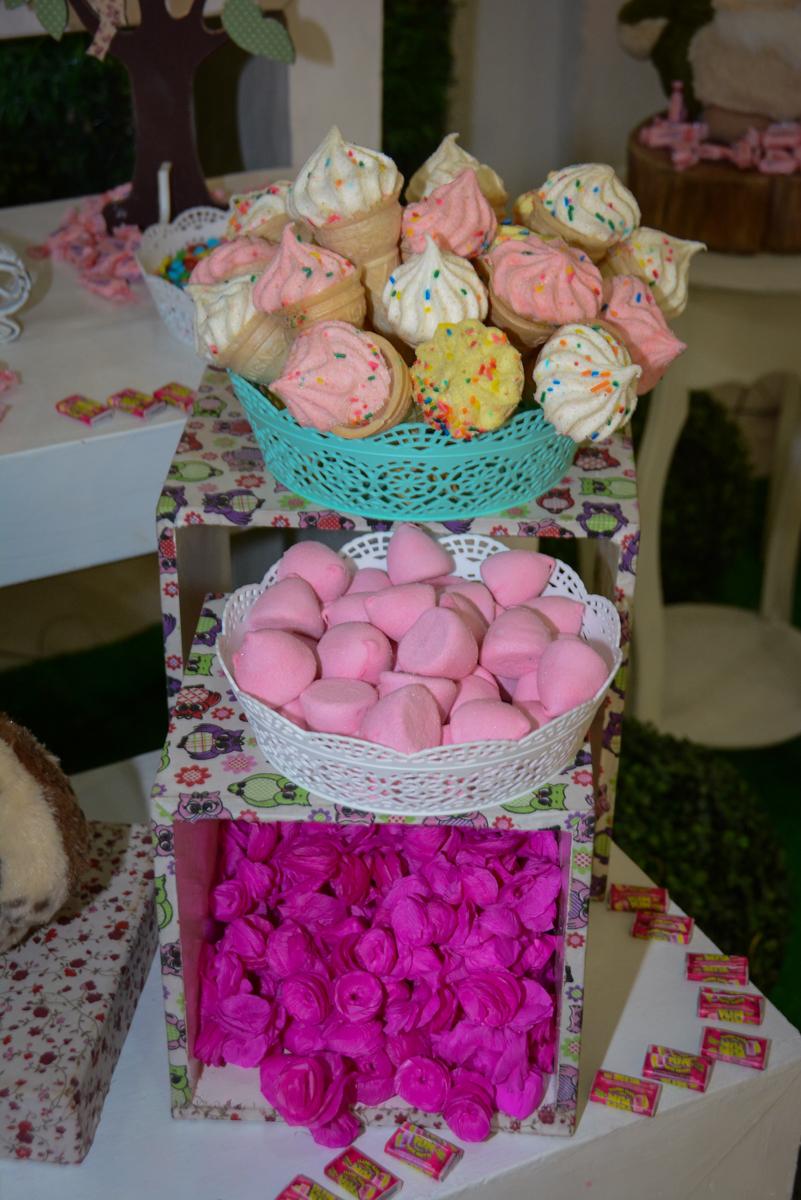 mesa de doces no Buffet Fábrica da Alegria Unidade Morumbi, São Paulo