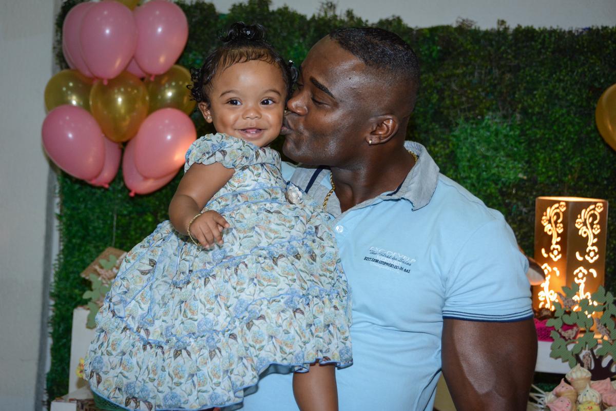 beijo do pai no Buffet Fábrica da Alegria Unidade Morumbi, São Paulo