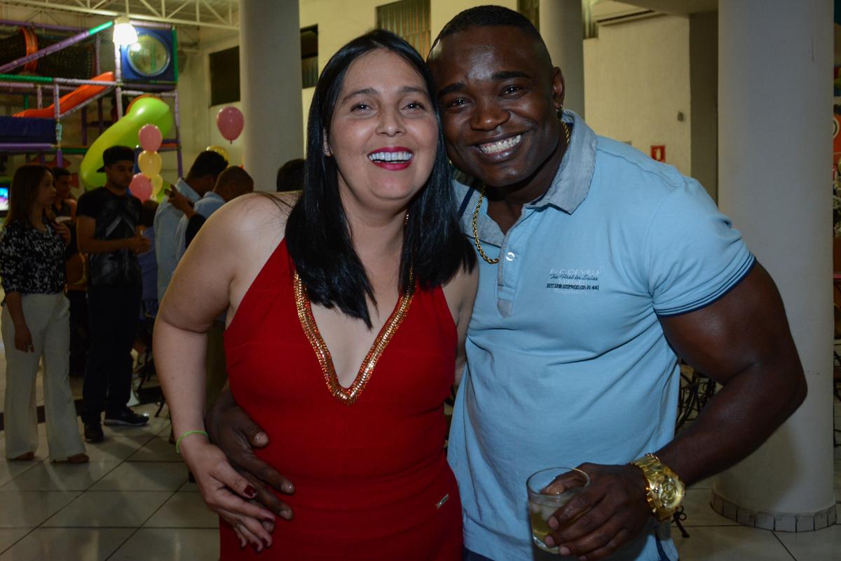 os pais felizes no Buffet Fábrica da Alegria Unidade Morumbi, São Paulo