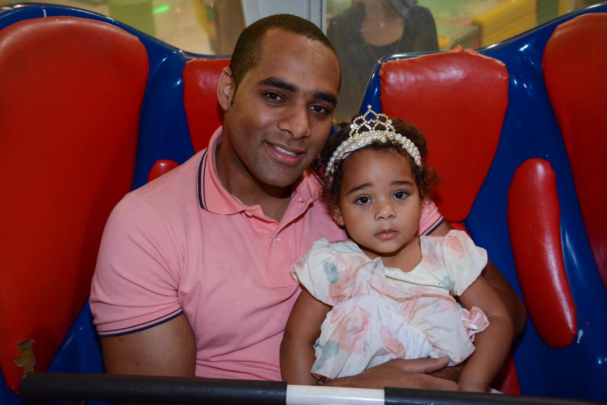 papai e filhinha no Buffet Fábrica da Alegria Unidade Morumbi,São Paulo