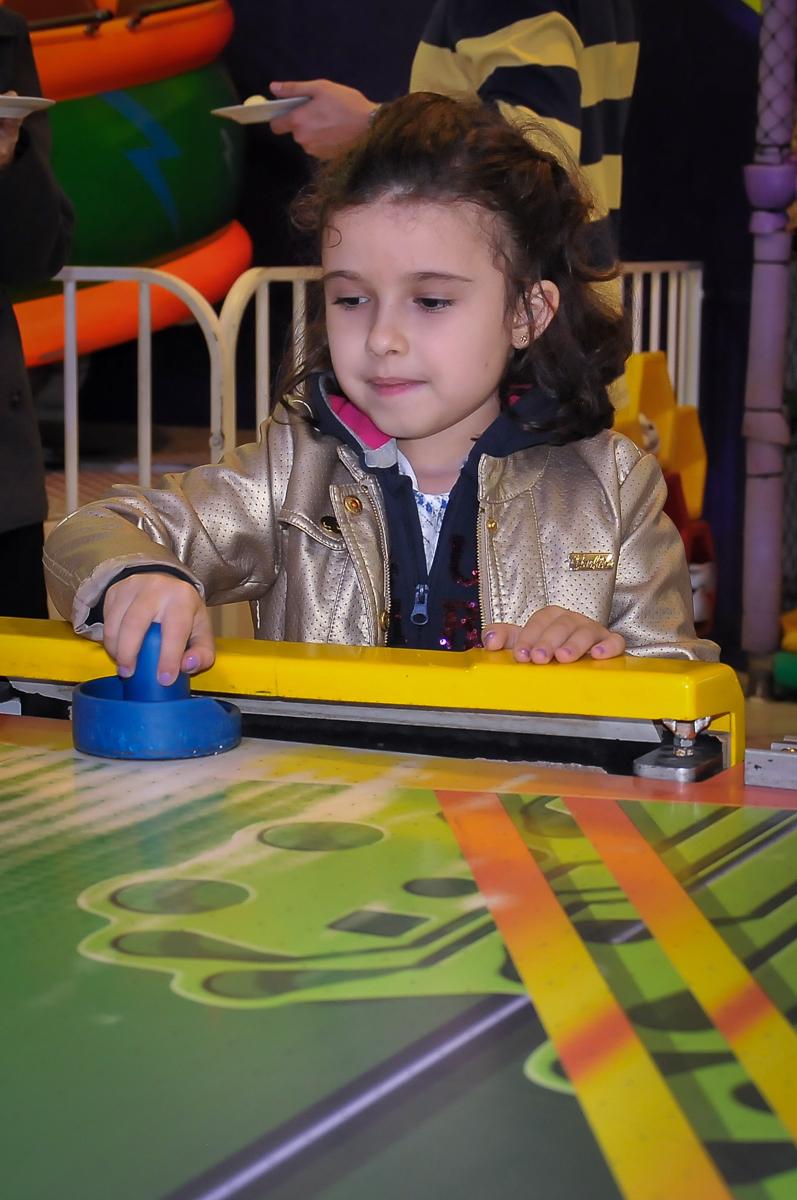 jogo de disco no Buffet Fábrica da Alegria Morumbi, São Paulo
