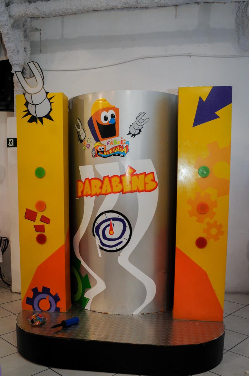 máquina do parabéns no Buffet Fábrica da Alegria Osasco, São Paulo