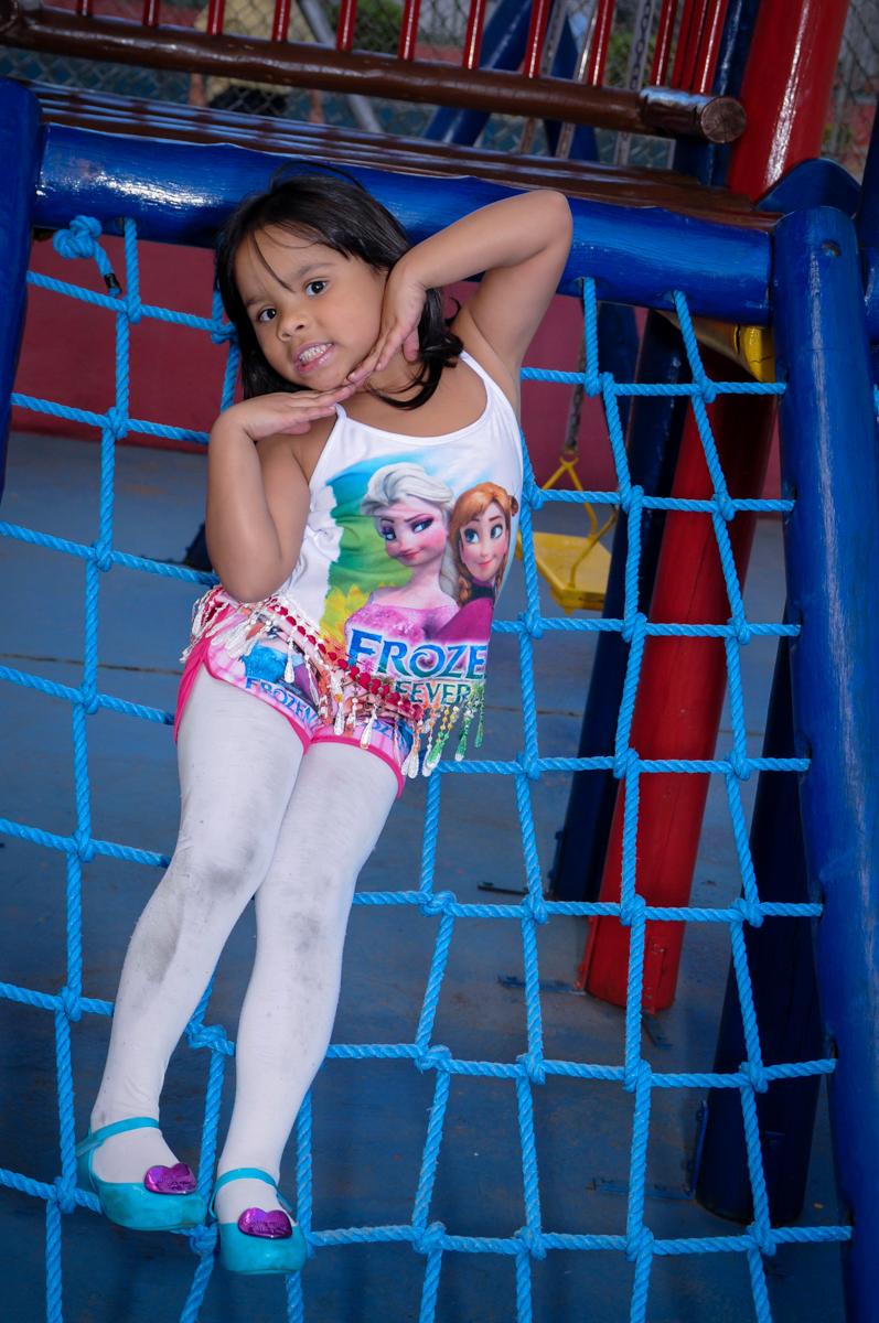 linda a minha modelo posando em seu ensaio fotográfico no condomínio,Saude,São Paulo