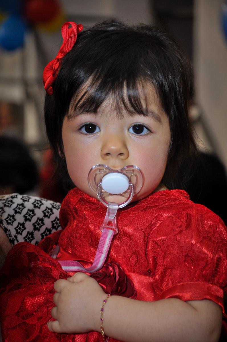 isabela curtindo sua festa de aniversário no Buffet Fábrica da Alegria unidade Osasco