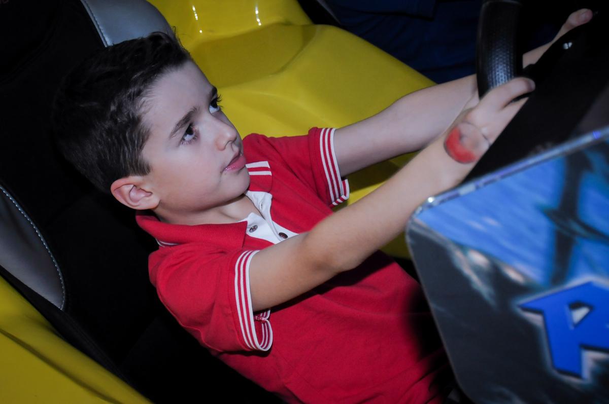 aniversariante brinca no final de sua festa de aniversário no Buffet Magic Joy, Saúde