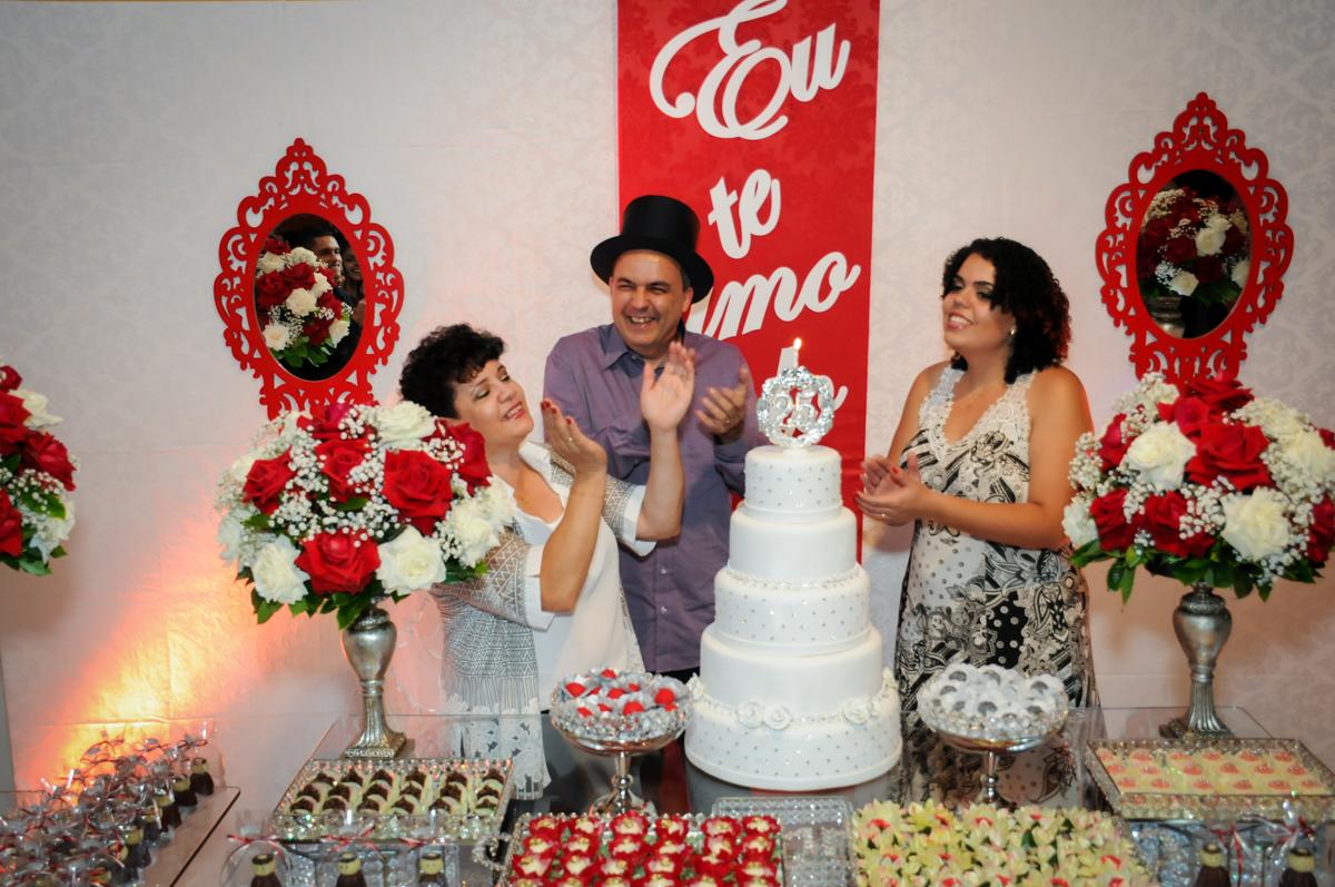 casal  canta parabéns em comemoração aos seus 25 anos de casados no Buffet Fábrica da Alegria, osasco, sp