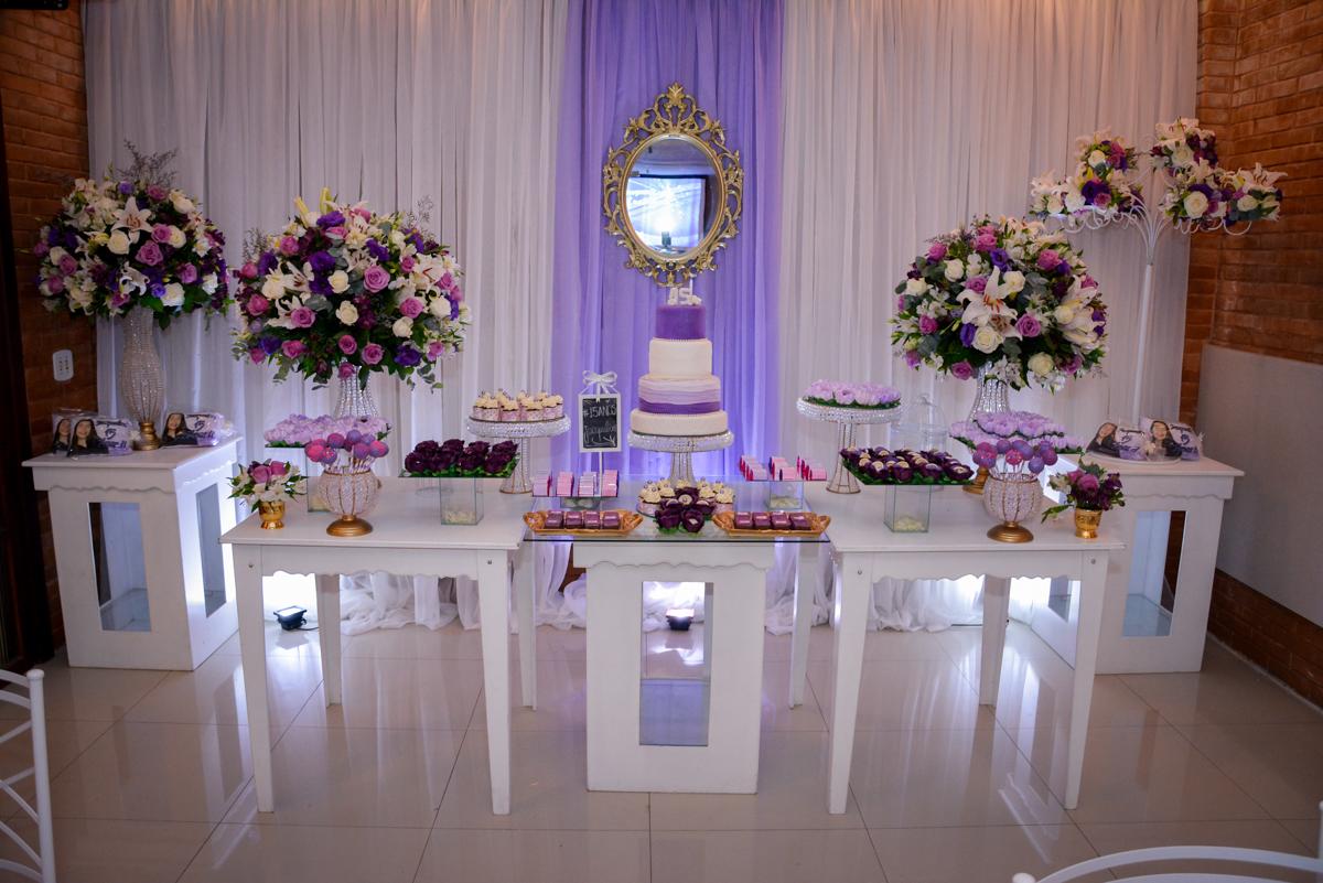 mesa do bolo da festa de 15 anos da Jacqueline no Espaço Felicittá, Osasco, São Paulo