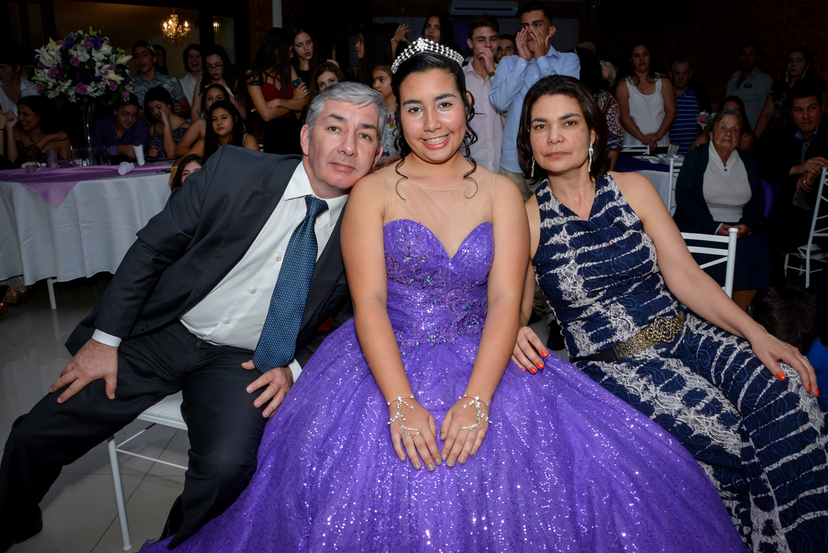 foto da família no aniversário de 15 anos no Espaço Felicittá, Osasco, São Paulo