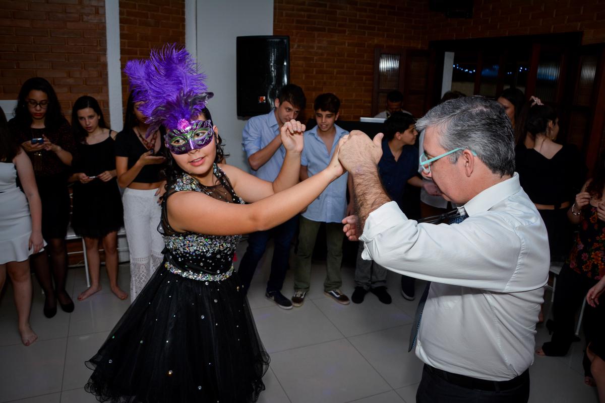 começa a balada da festa de 15 anos no Espaço Felicittá, Osasco, São Paulo