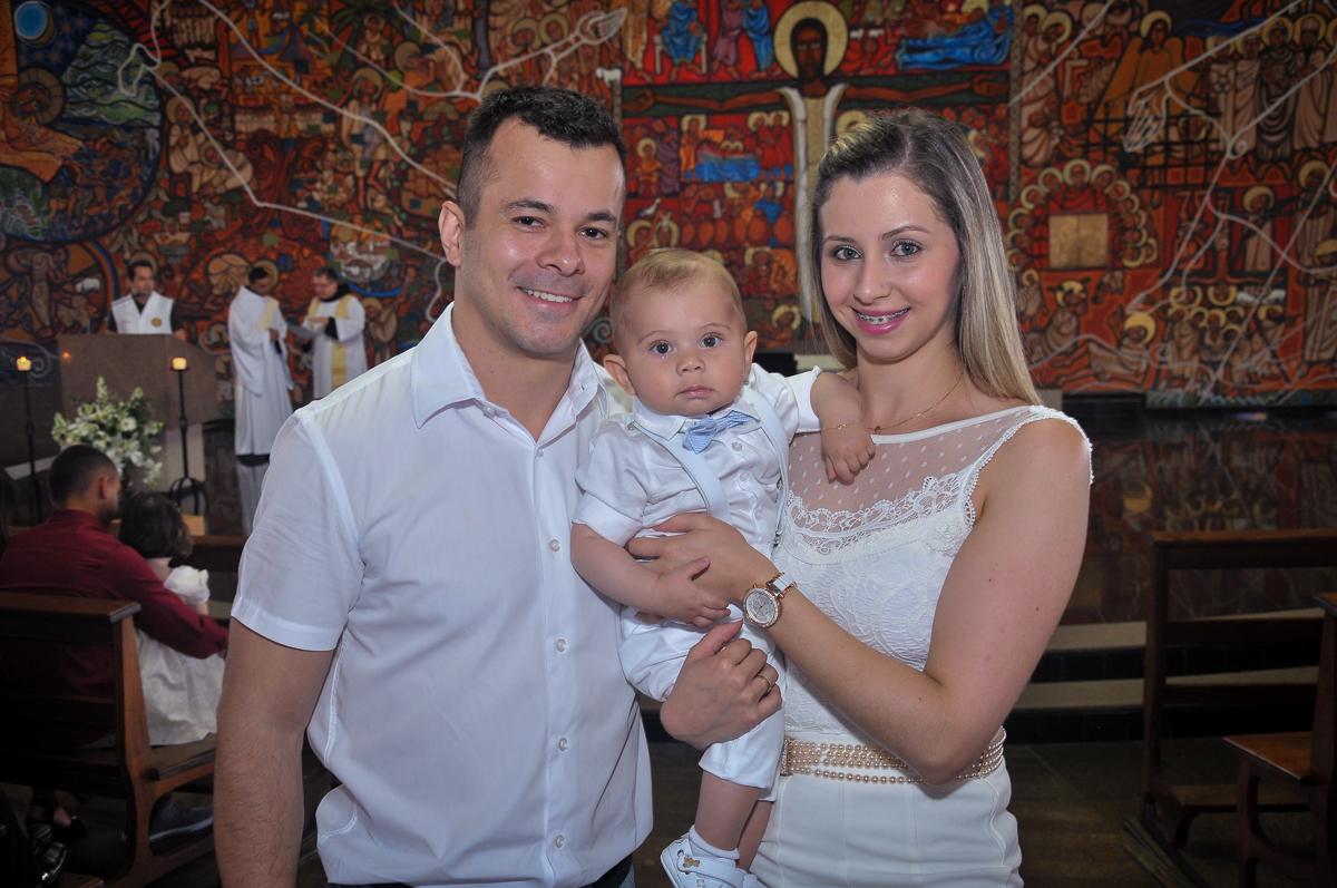 foto dos pais com o filho no Paróquia São Bento Morumbi