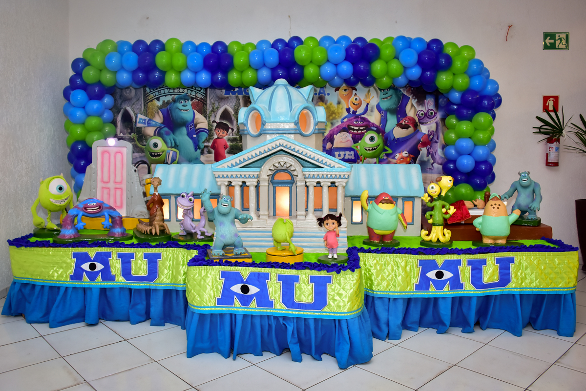 mesa decorada monstros s/a no buffet fábrica da alegria morumbi,são paulo