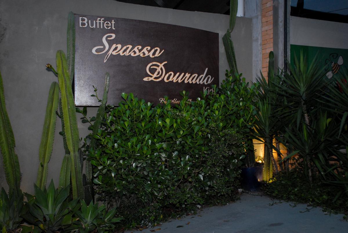 fachada de entrada buffet spasso dourado, pirituba, são paulo