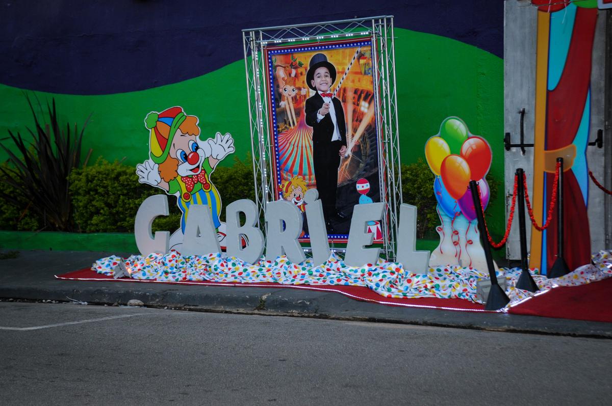 fachada de artista do Gabriel no buffet fábrica da alegria, osasco, sp