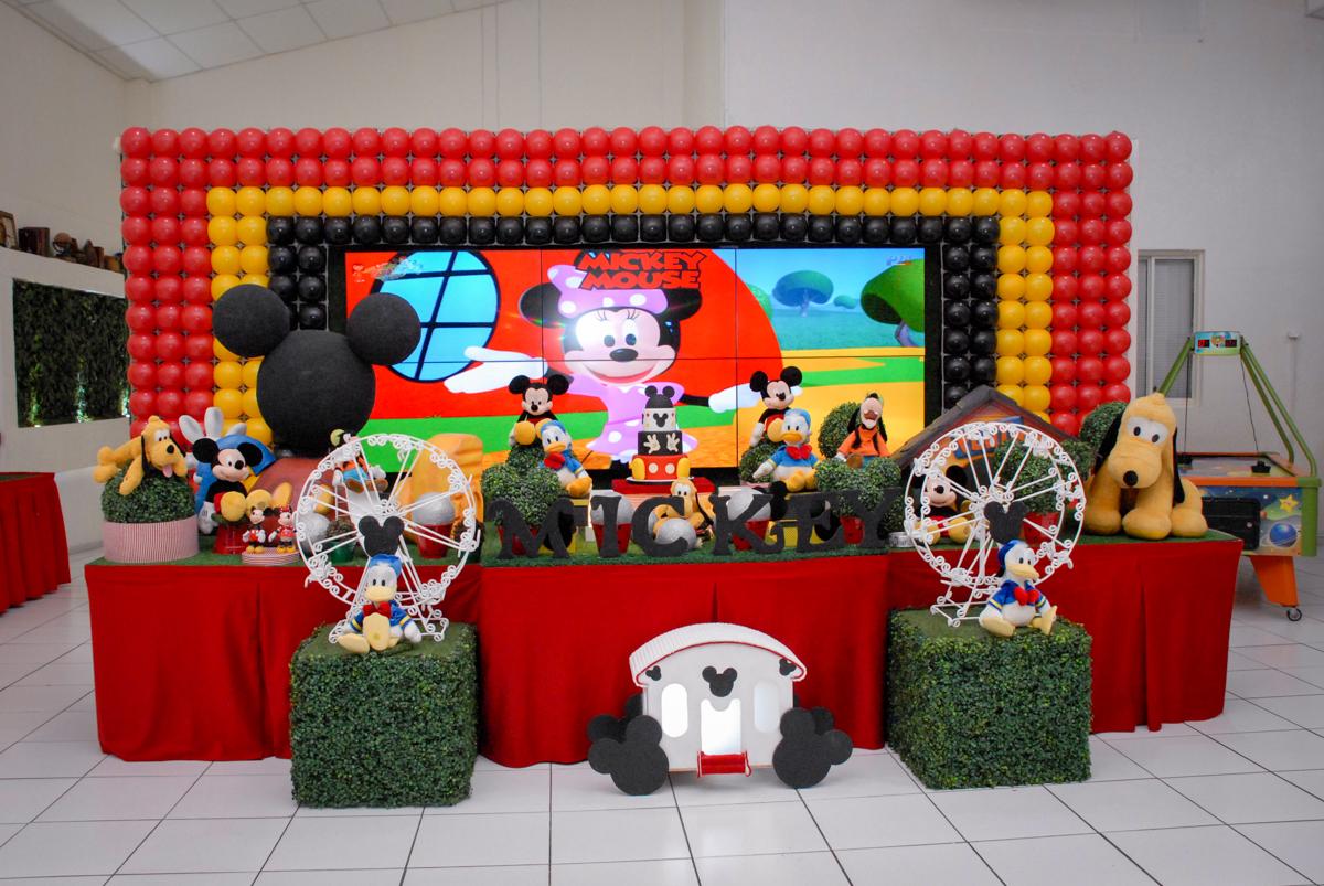 mesa decorada tema circo no Buffet Bugui Ugui, Vila Mascote, São Paulo