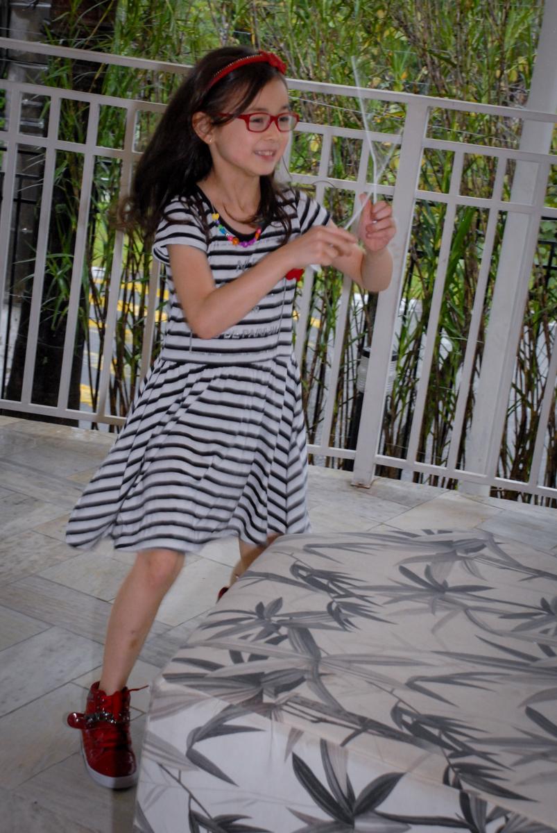 brincando de correr na festa de aniversário da brenda no Condomínio em Alphaville